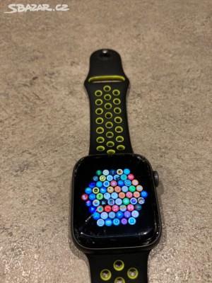 Bazar - chci prodat • Apple Watch 4 - prasklé sklo (funkční)